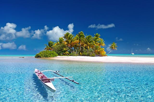 unique French Polynesia honeymoon