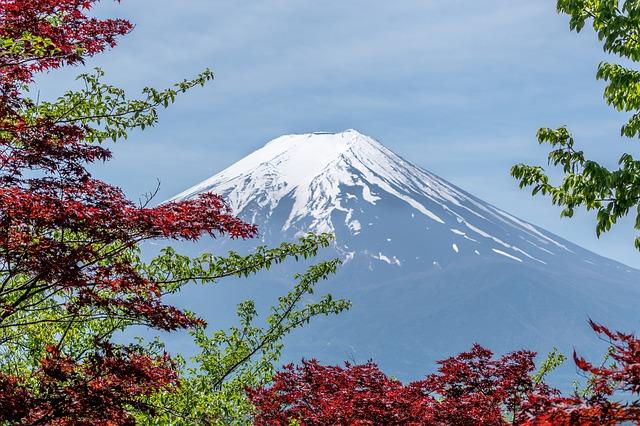 unique honeymoon in Mount Fuji